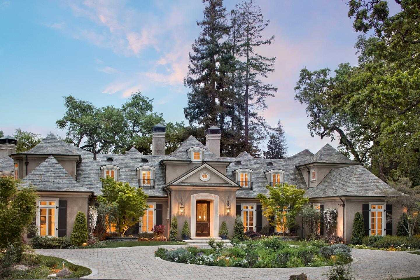 $19,800,000 - 6Br/9Ba -  for Sale in Menlo Park