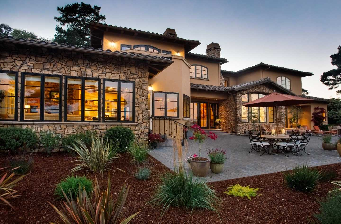 $3,850,000 - 4Br/5Ba -  for Sale in Monterey