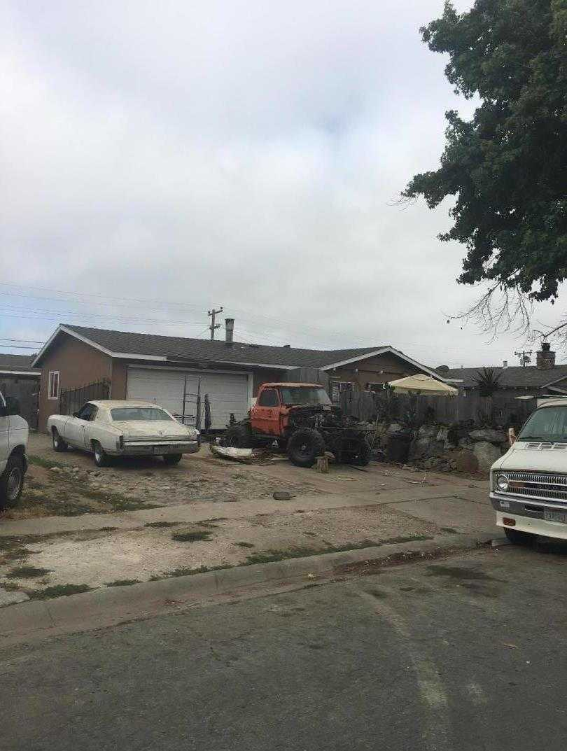 $325,000 - 3Br/2Ba -  for Sale in Salinas
