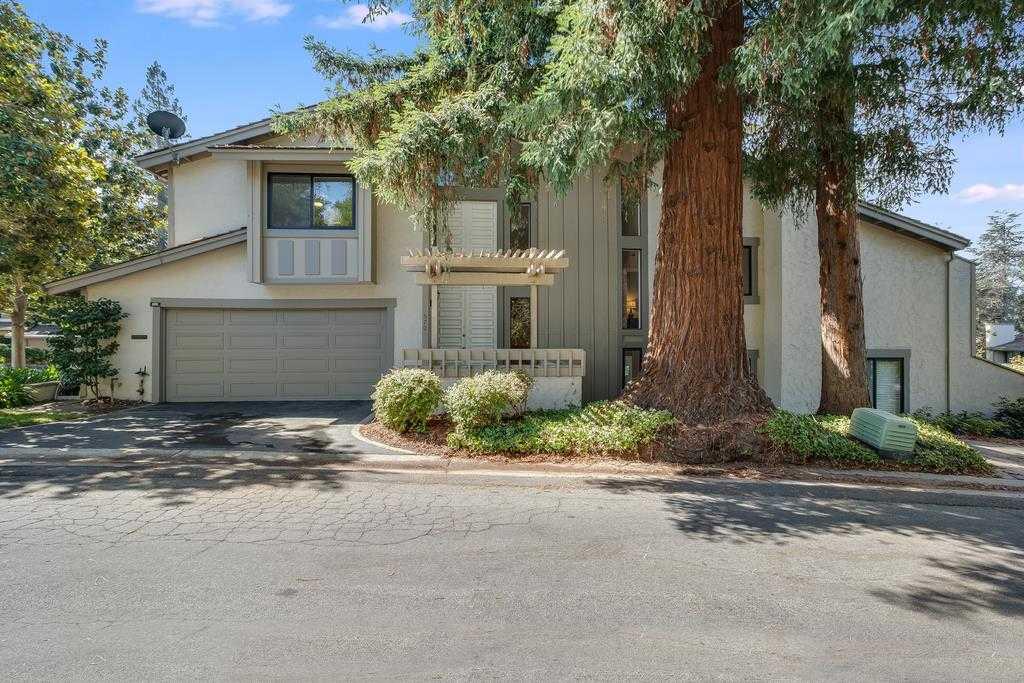 570 Sand Hill Cir Menlo Park, CA 94025