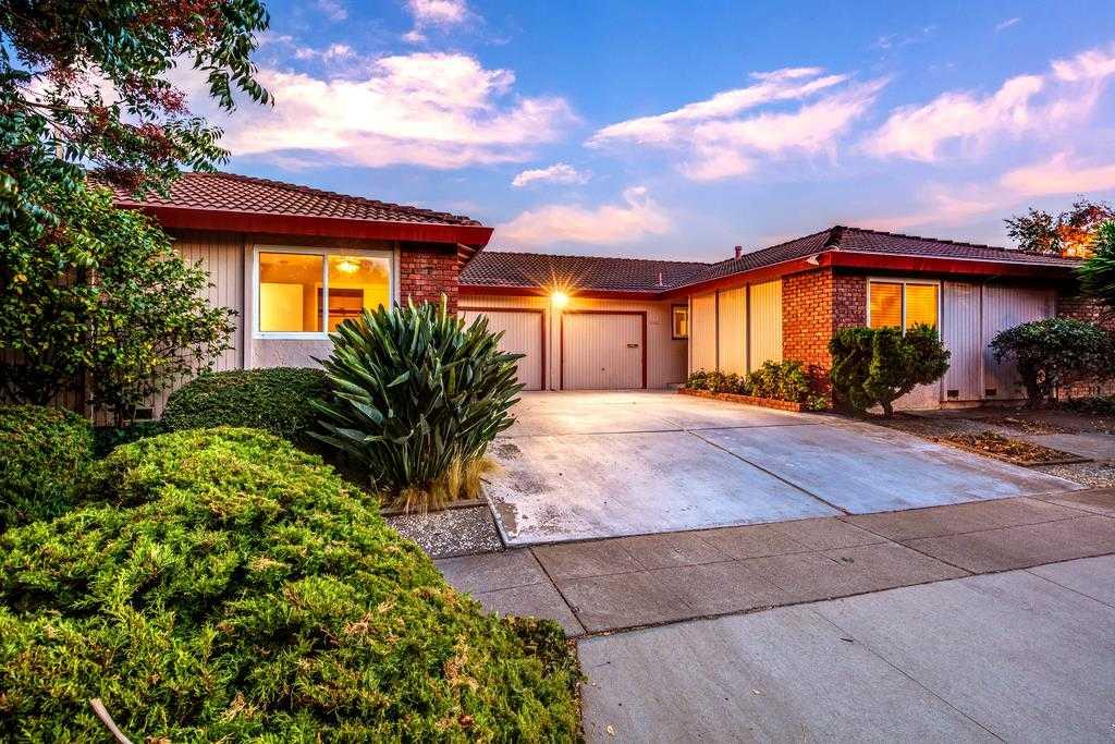 1658 Koch Ln San Jose, CA 95125
