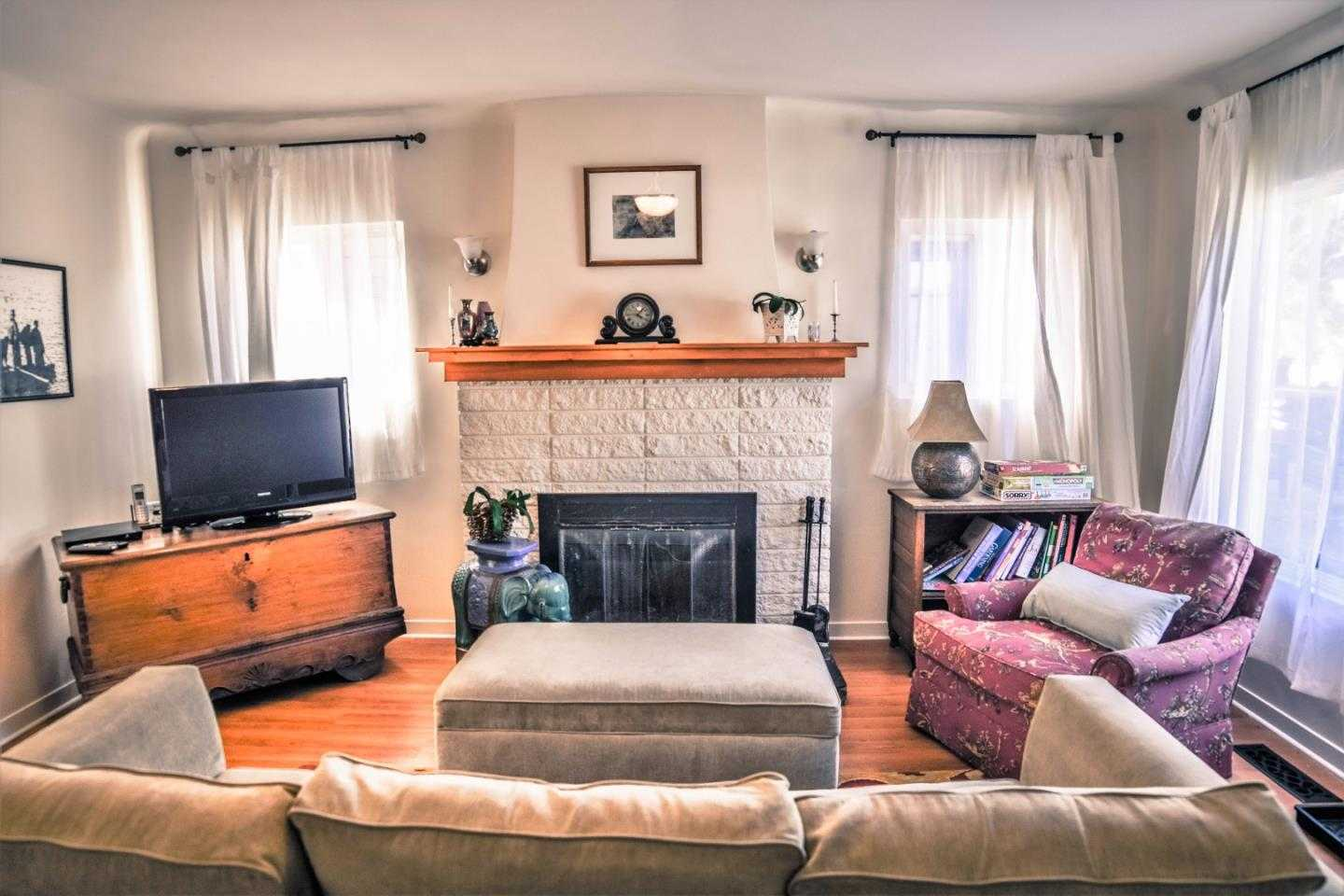 $795,000 - 2Br/1Ba -  for Sale in Pacific Grove