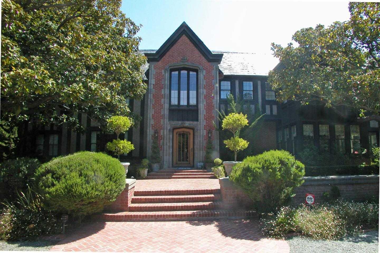 $9,890,000 - 7Br/9Ba -  for Sale in Hillsborough