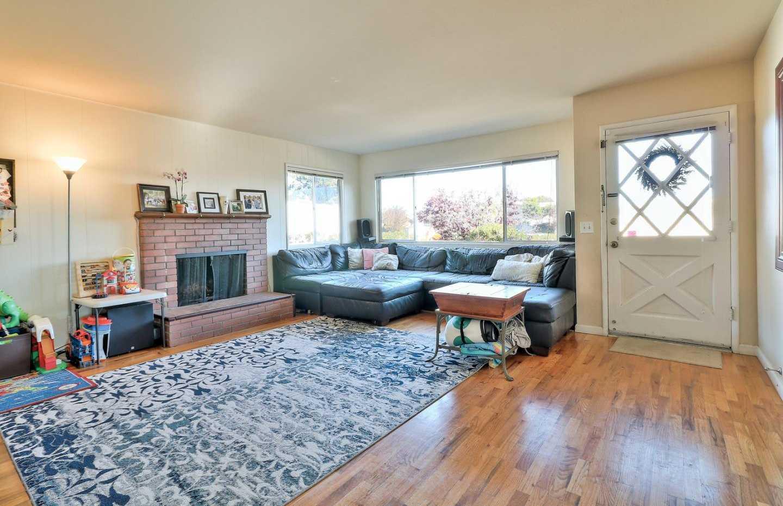 $685,000 - 3Br/2Ba -  for Sale in Del Rey Oaks