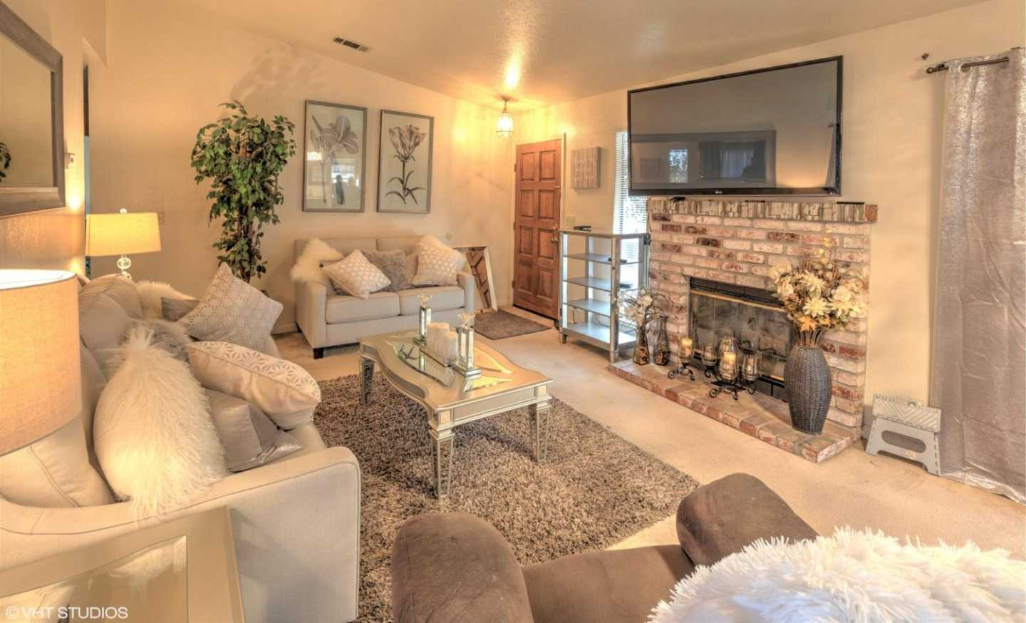 $392,000 - 3Br/2Ba -  for Sale in Salinas