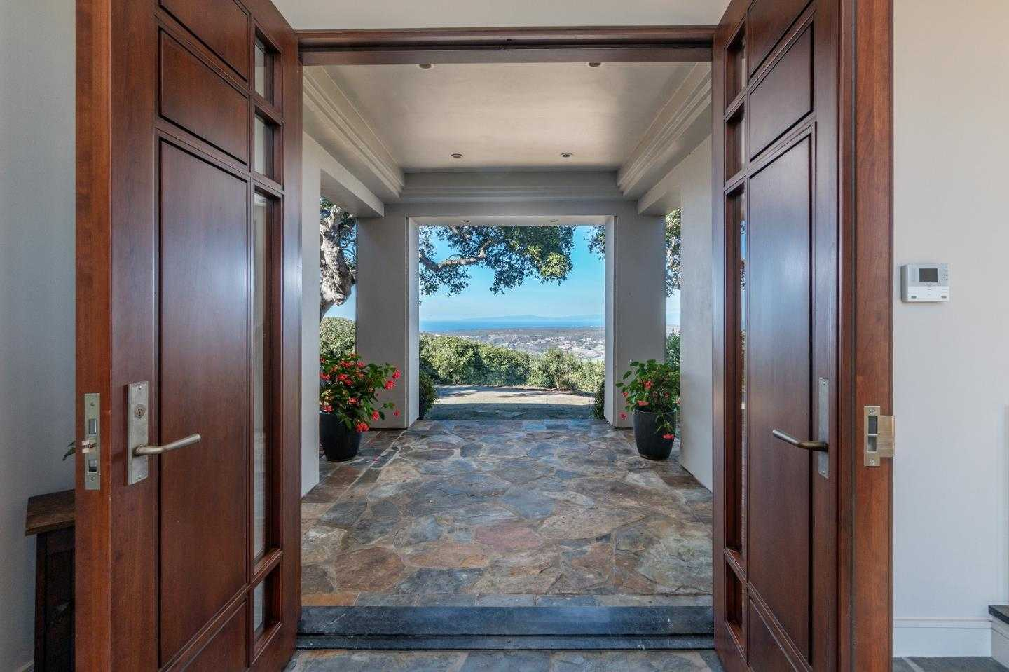 $3,850,000 - 4Br/6Ba -  for Sale in Monterey
