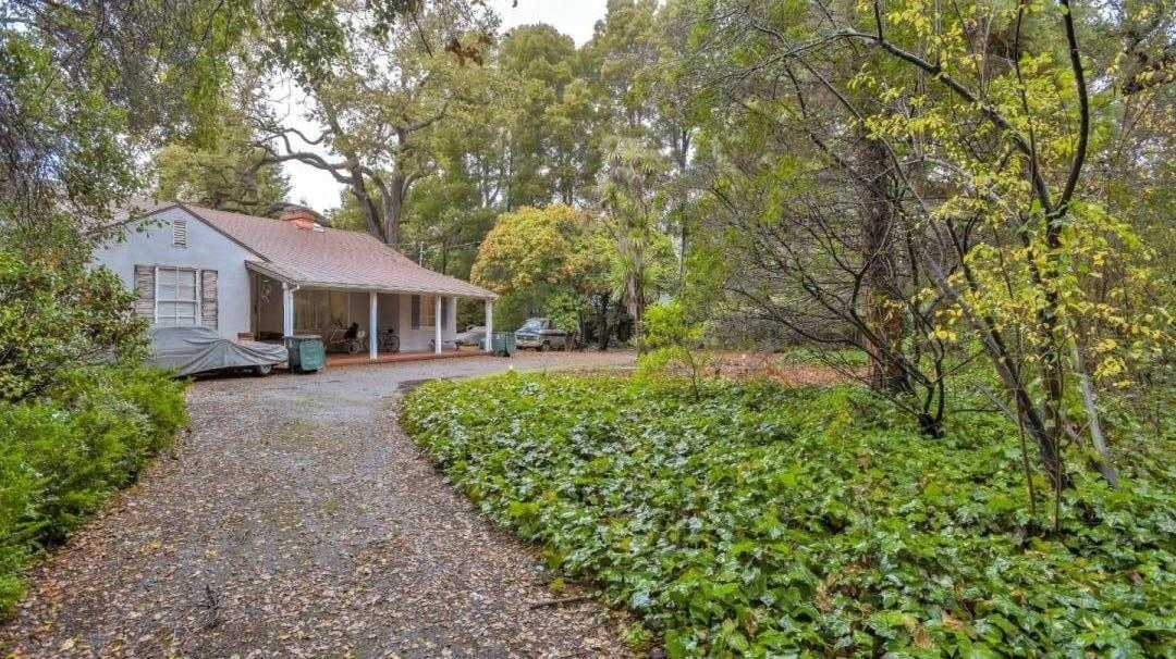$3,388,000 - 3Br/3Ba -  for Sale in Atherton