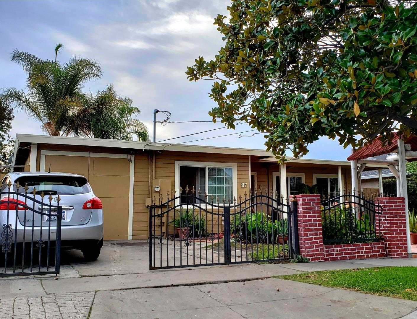 $699,999 - 2Br/1Ba -  for Sale in San Jose