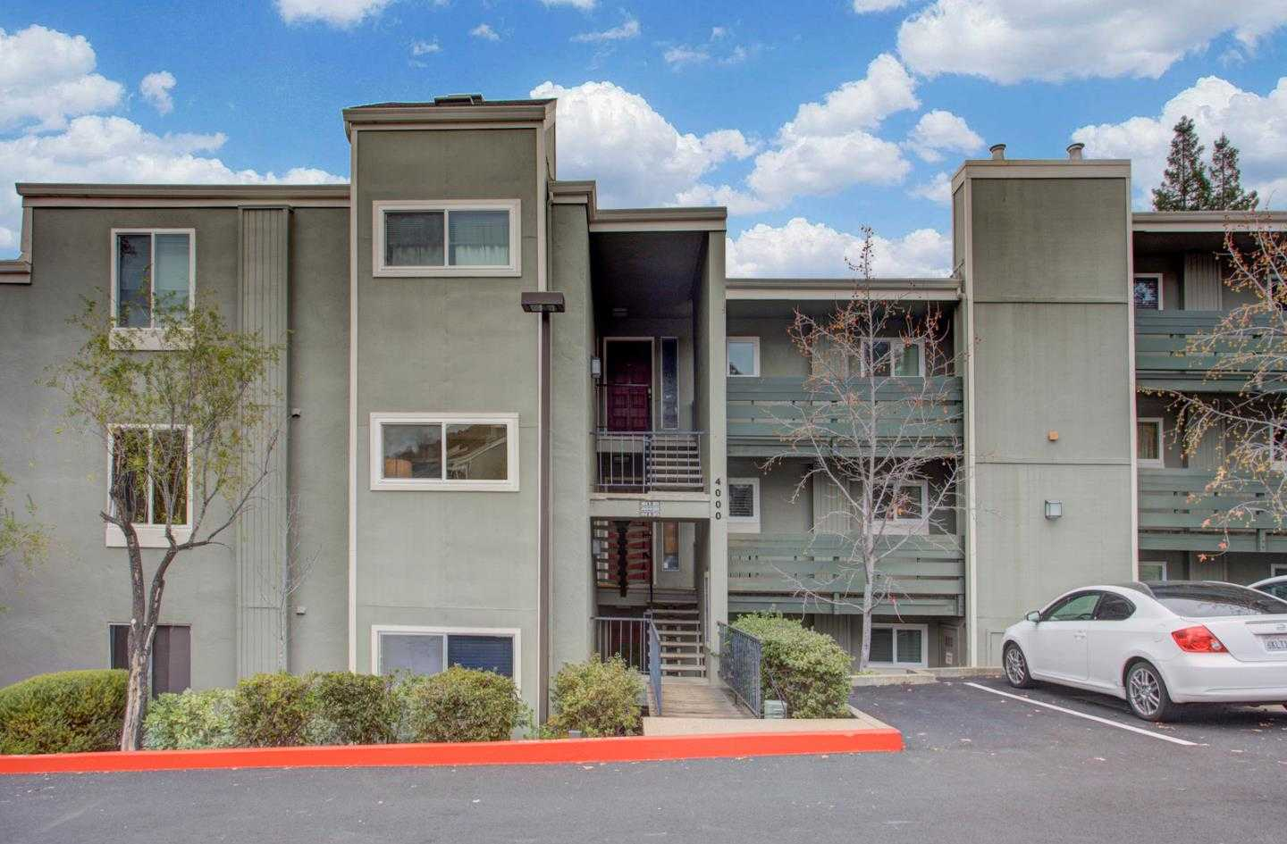 $899,000 - 3Br/2Ba -  for Sale in Redwood City