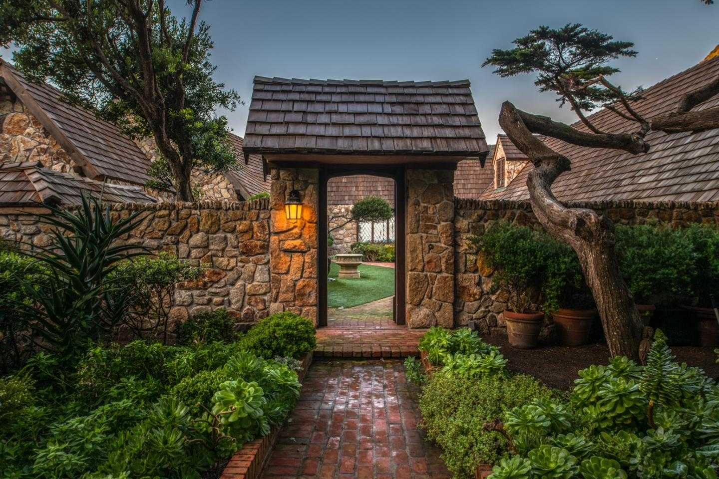 $9,950,000 - 4Br/4Ba -  for Sale in Carmel