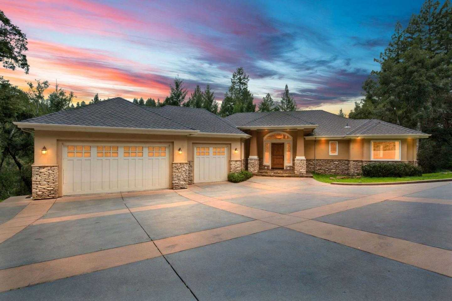 $1,549,000 - 5Br/3Ba -  for Sale in Santa Cruz