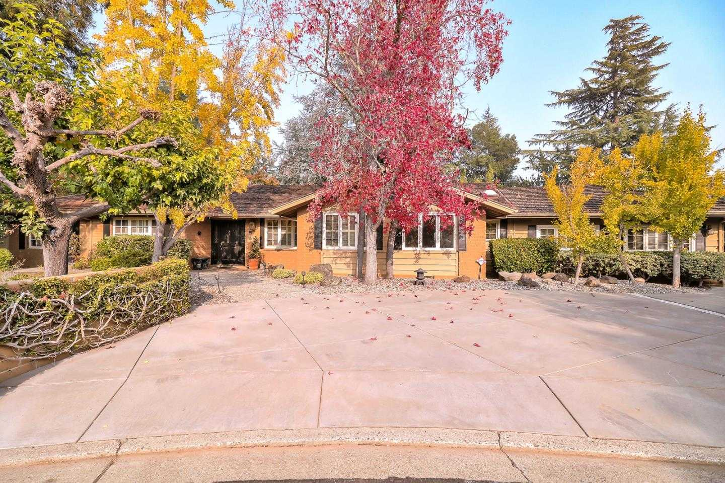 $3,299,000 - 5Br/3Ba -  for Sale in Saratoga