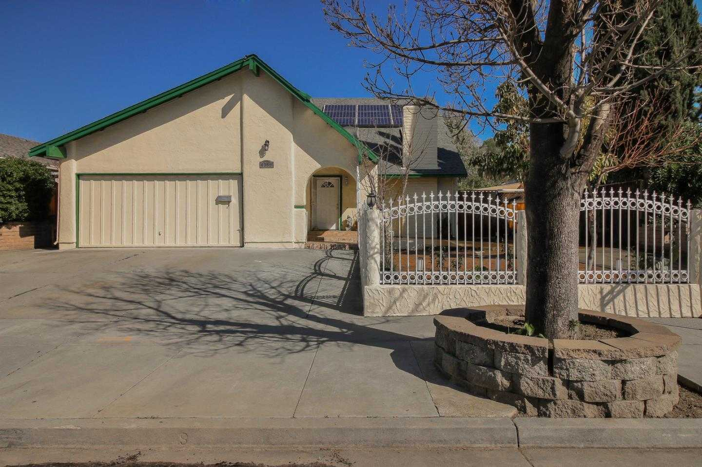 $964,999 - 5Br/3Ba -  for Sale in San Jose
