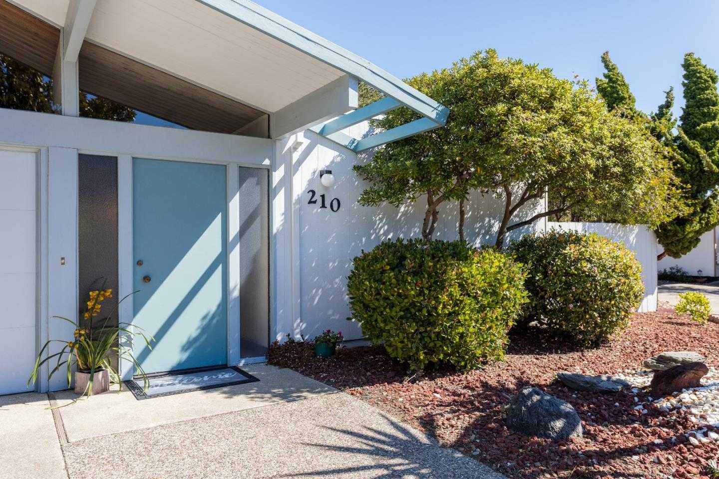$1,438,000 - 3Br/2Ba -  for Sale in Foster City