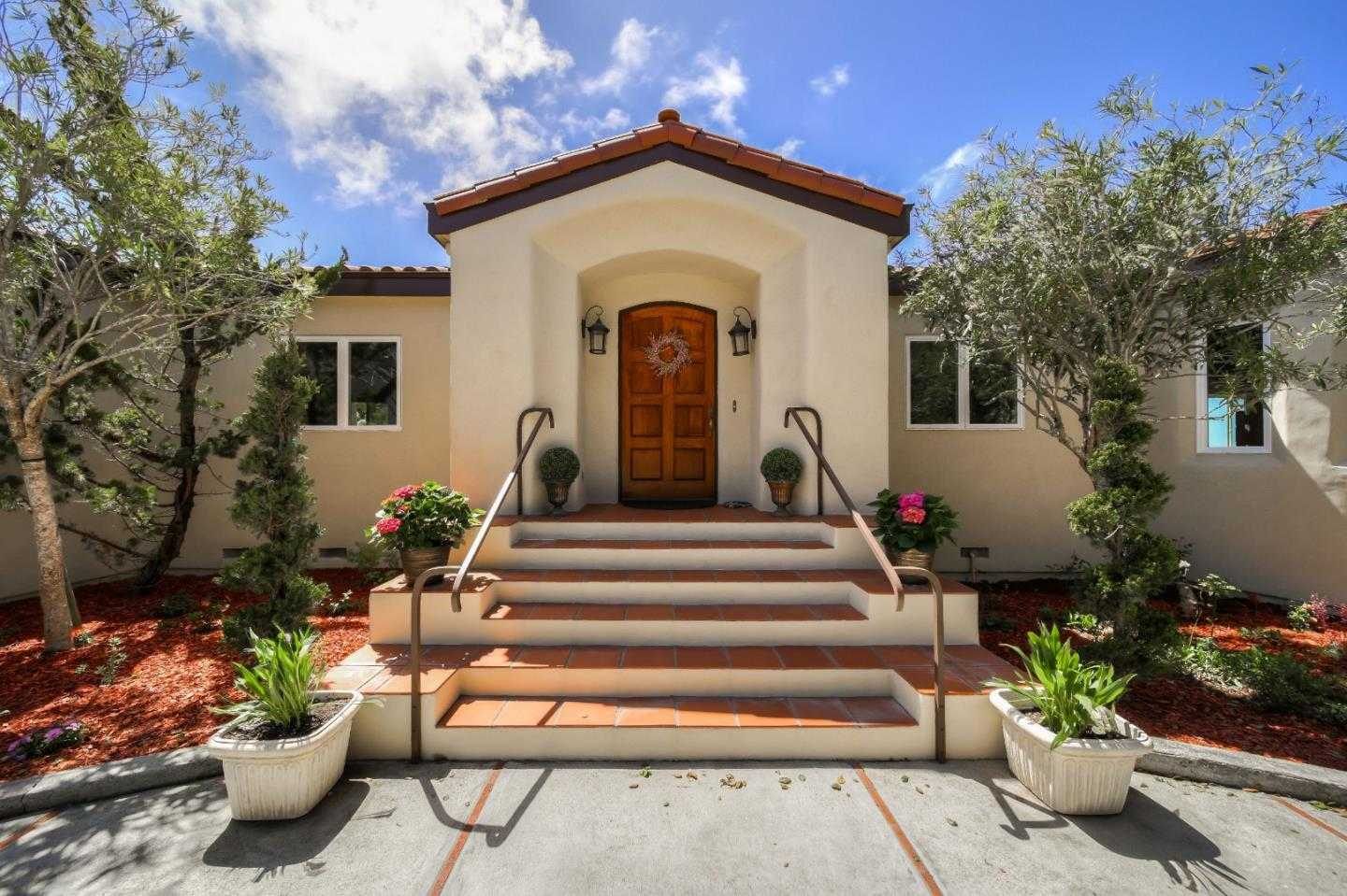 $1,550,000 - 4Br/5Ba -  for Sale in Monterey
