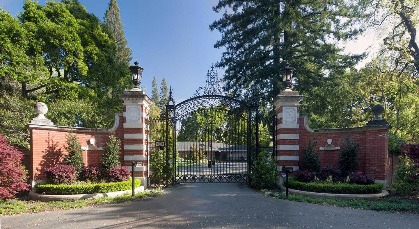 $9,350,000 - 4Br/6Ba -  for Sale in Atherton