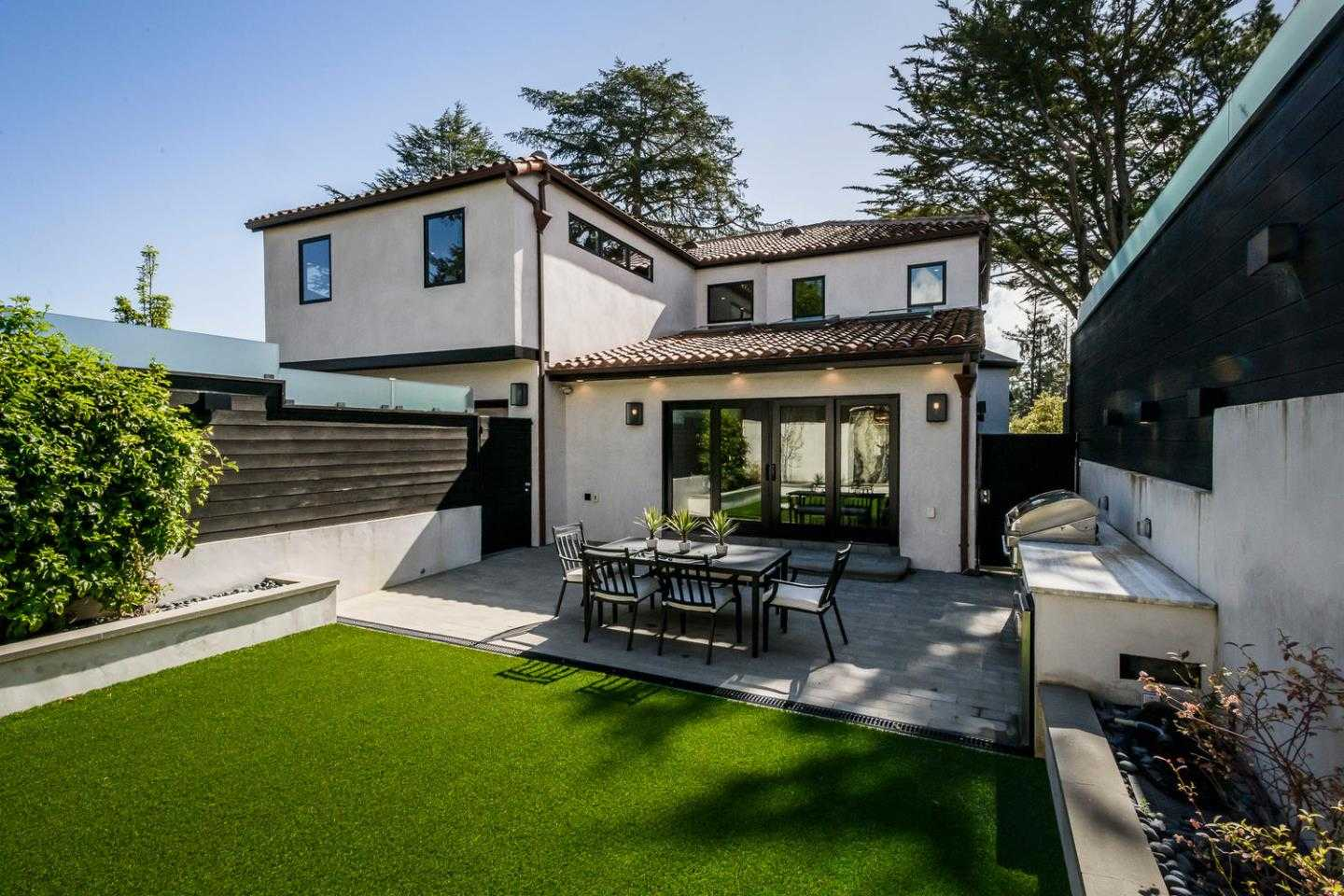 $4,875,000 - 5Br/4Ba -  for Sale in Burlingame