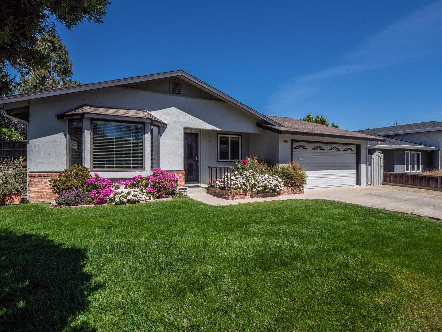 $1,285,000 - 4Br/2Ba -  for Sale in Campbell
