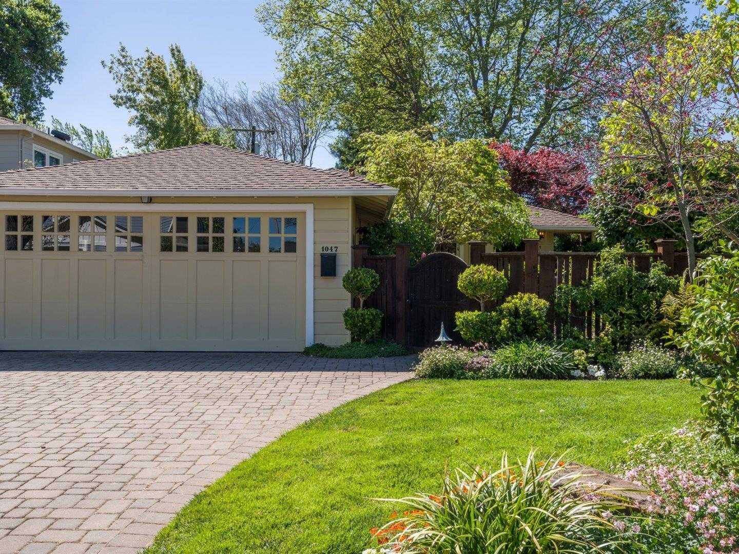 $1,900,000 - 3Br/1Ba -  for Sale in Menlo Park