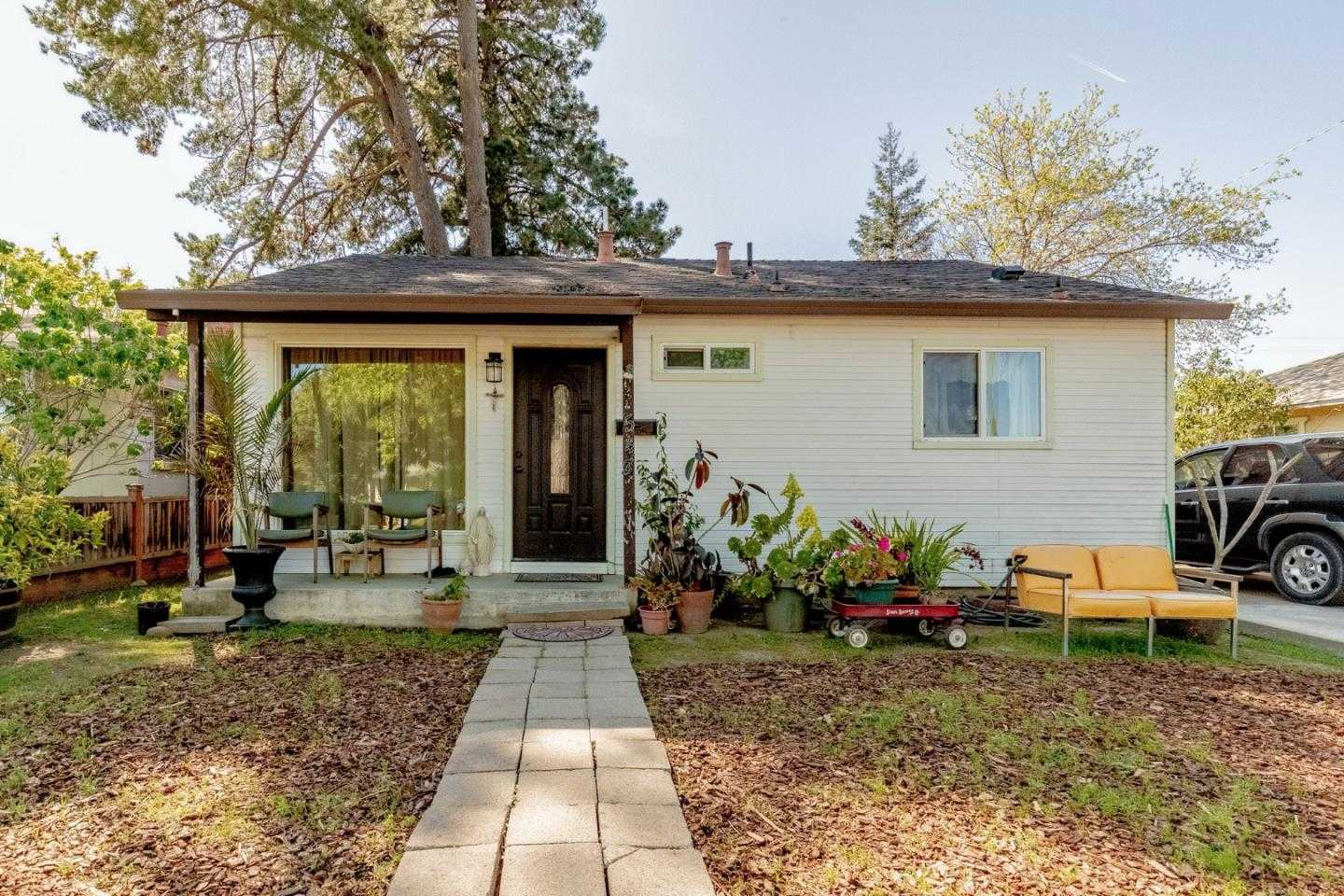 $895,888 - 4Br/1Ba -  for Sale in San Jose