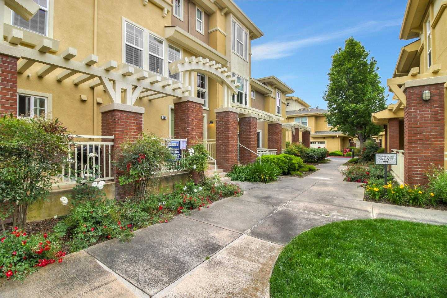 $899,000 - 2Br/3Ba -  for Sale in San Jose