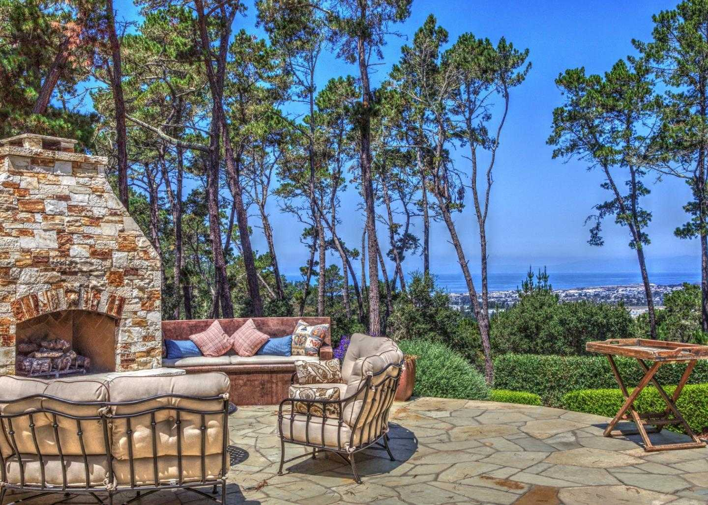 $4,500,000 - 5Br/6Ba -  for Sale in Monterey