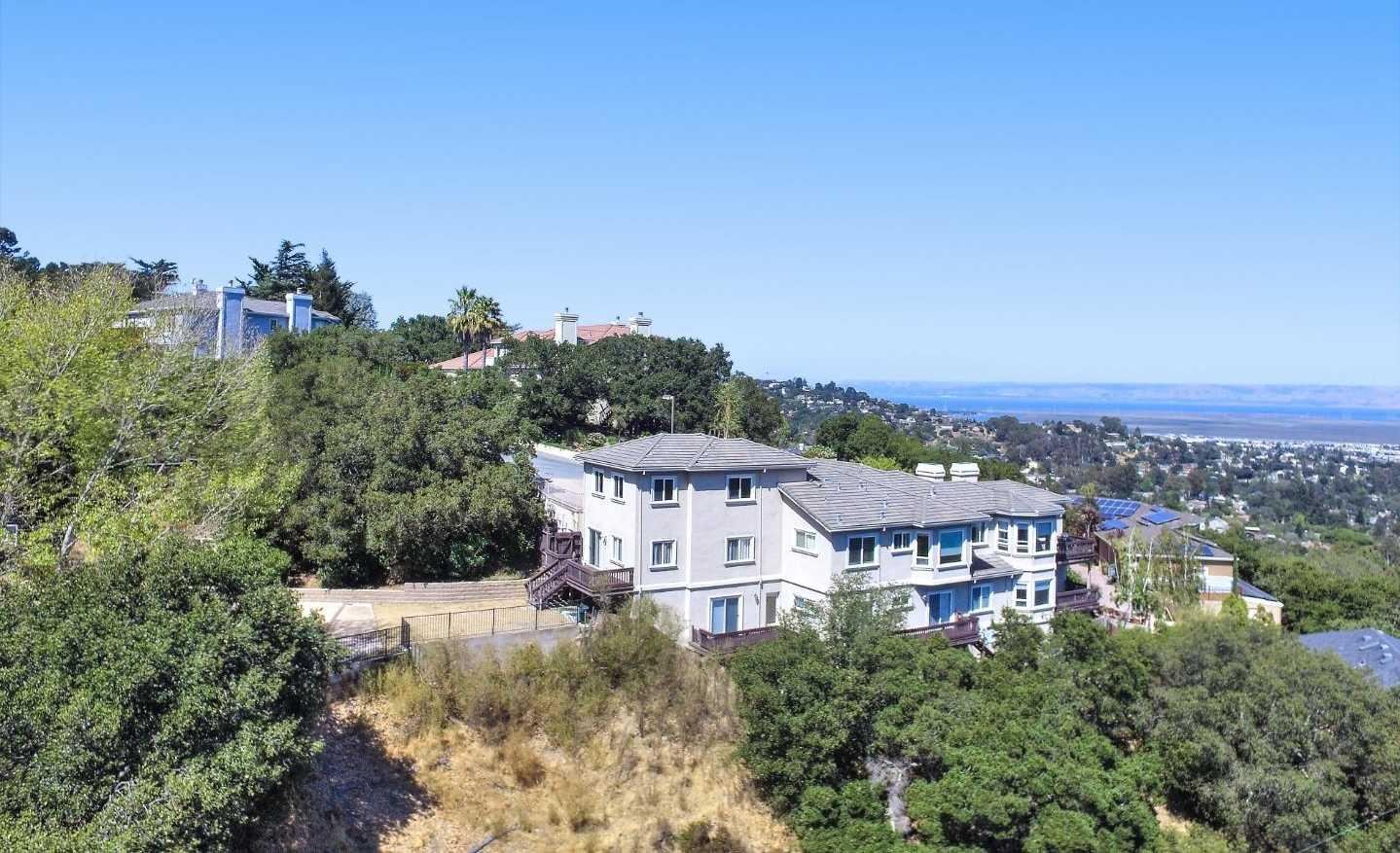 $3,650,000 - 5Br/5Ba -  for Sale in San Carlos