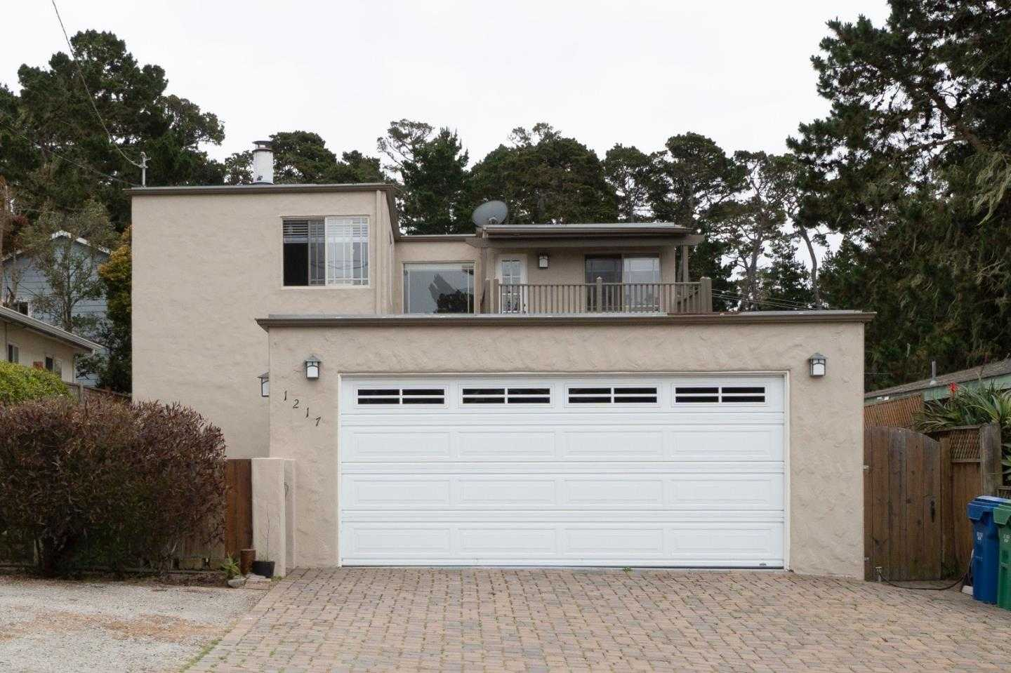$875,000 - 3Br/3Ba -  for Sale in Pacific Grove