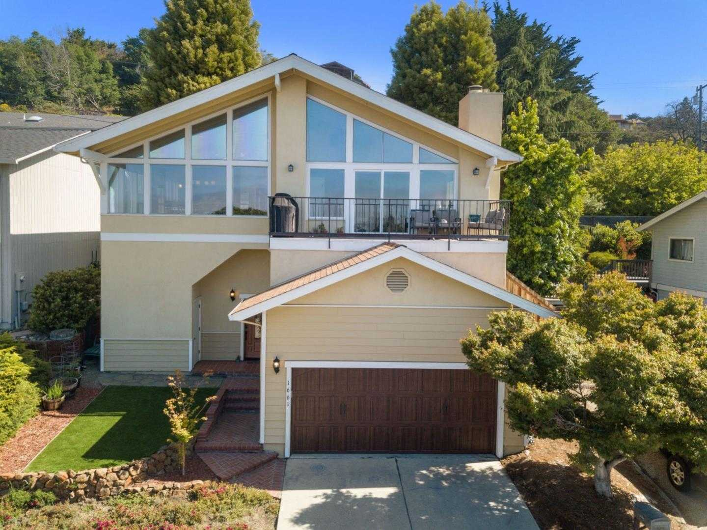 $899,000 - 3Br/3Ba -  for Sale in Santa Cruz