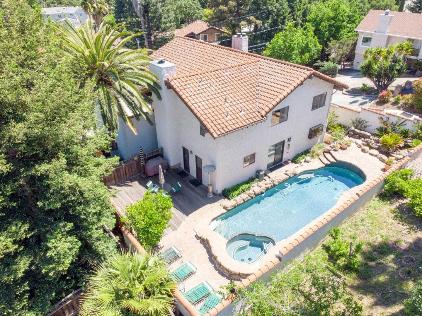 $2,300,000 - 4Br/4Ba -  for Sale in Redwood City