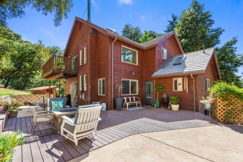 $949,000 - 4Br/3Ba -  for Sale in Santa Cruz