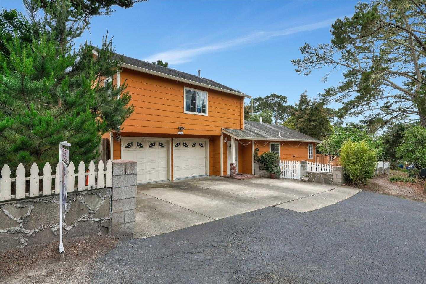 $950,000 - 4Br/2Ba -  for Sale in Pacific Grove