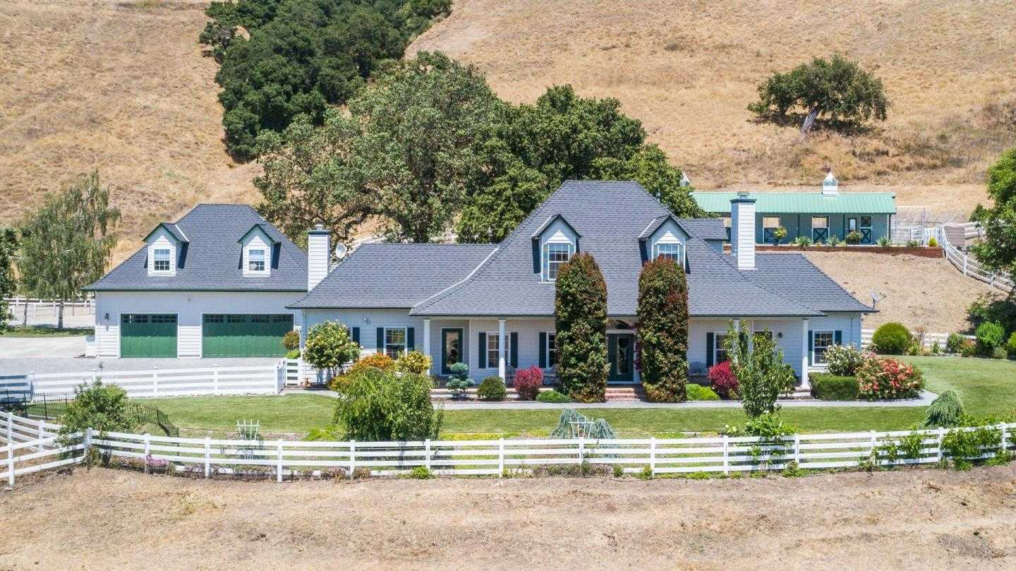 $2,488,000 - 5Br/4Ba -  for Sale in Gilroy