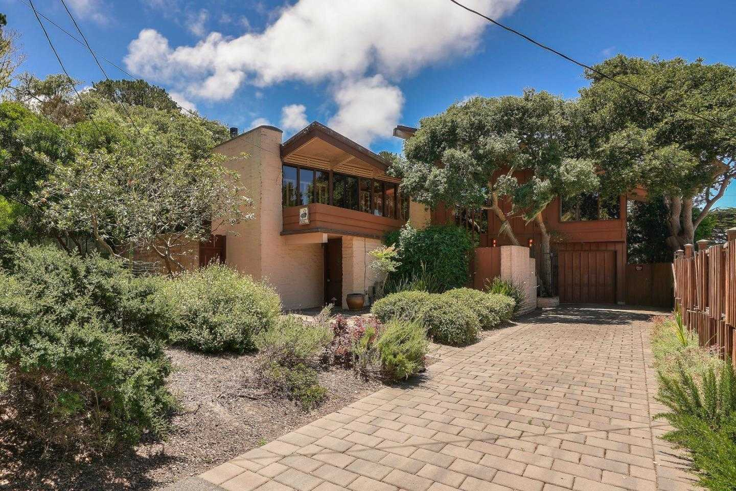 $899,000 - 3Br/3Ba -  for Sale in Monterey
