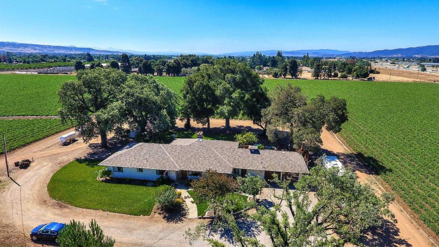 $3,700,000 - 3Br/3Ba -  for Sale in Gilroy