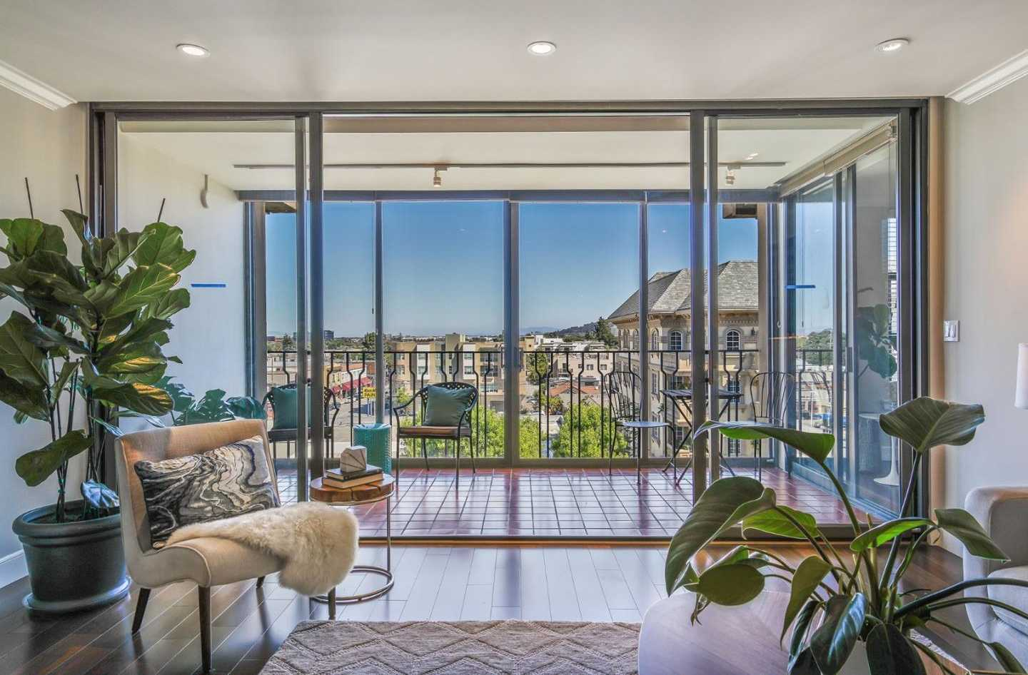 $1,595,000 - 2Br/2Ba -  for Sale in San Mateo