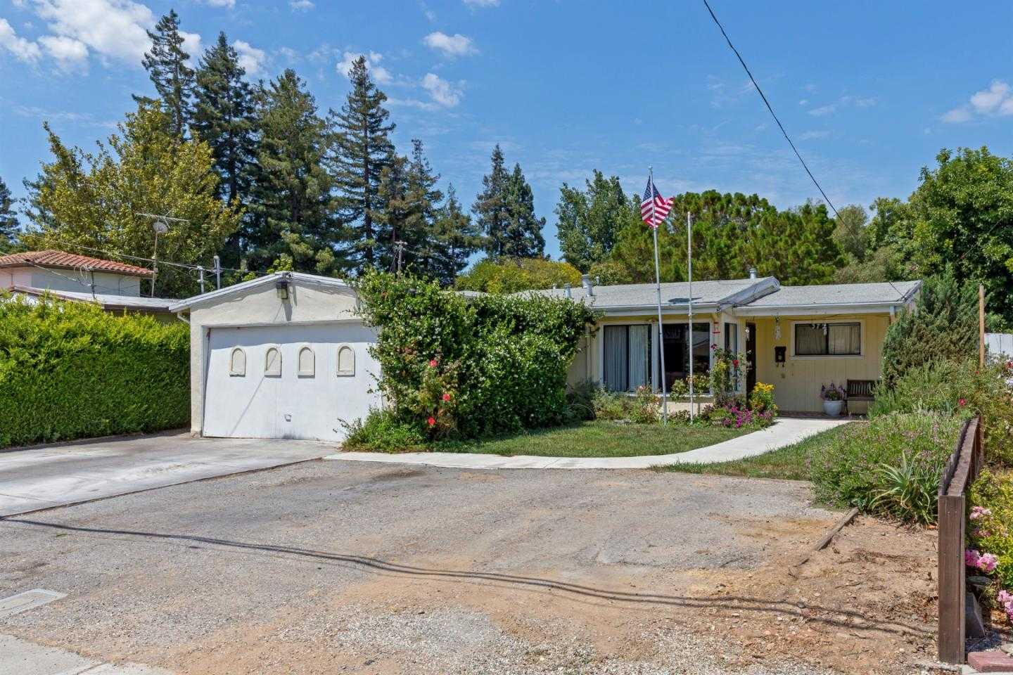 $1,599,000 - 4Br/1Ba -  for Sale in Mountain View