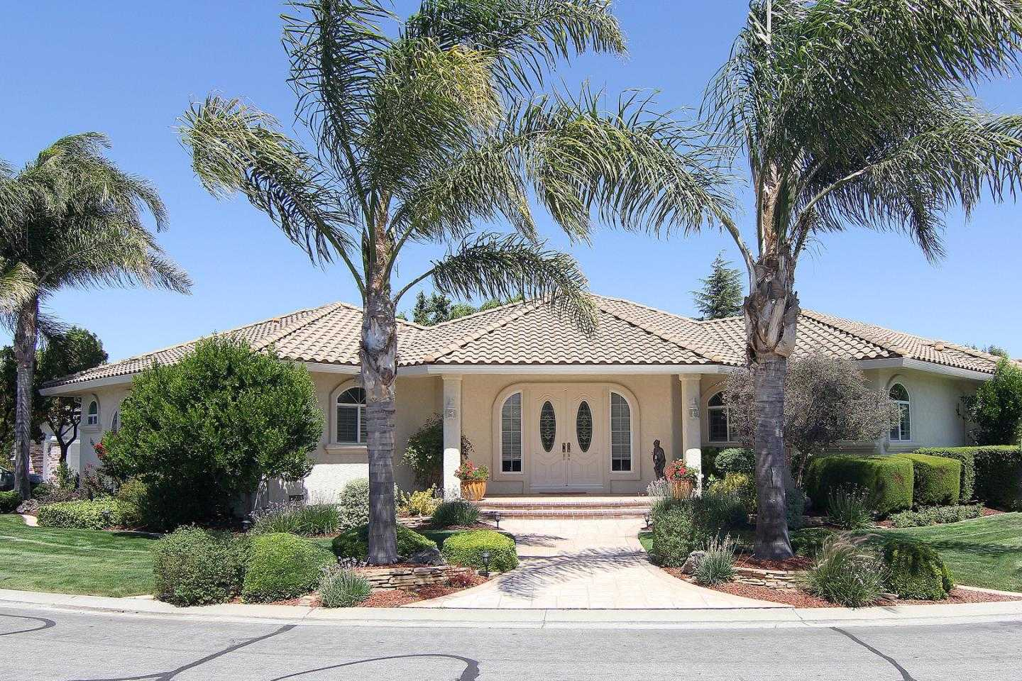 $824,900 - 3Br/3Ba -  for Sale in Hollister