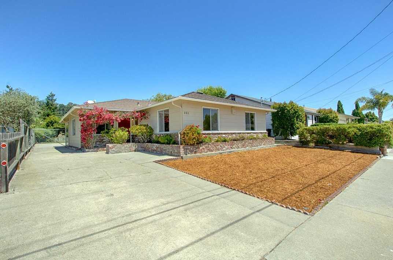 $819,000 - 3Br/2Ba -  for Sale in Santa Cruz