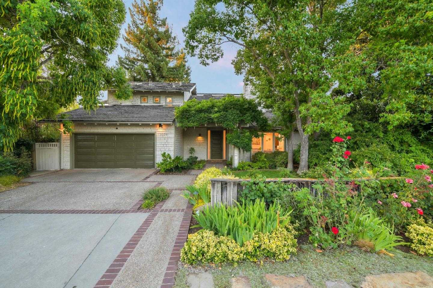 $3,875,000 - 4Br/3Ba -  for Sale in Mountain View