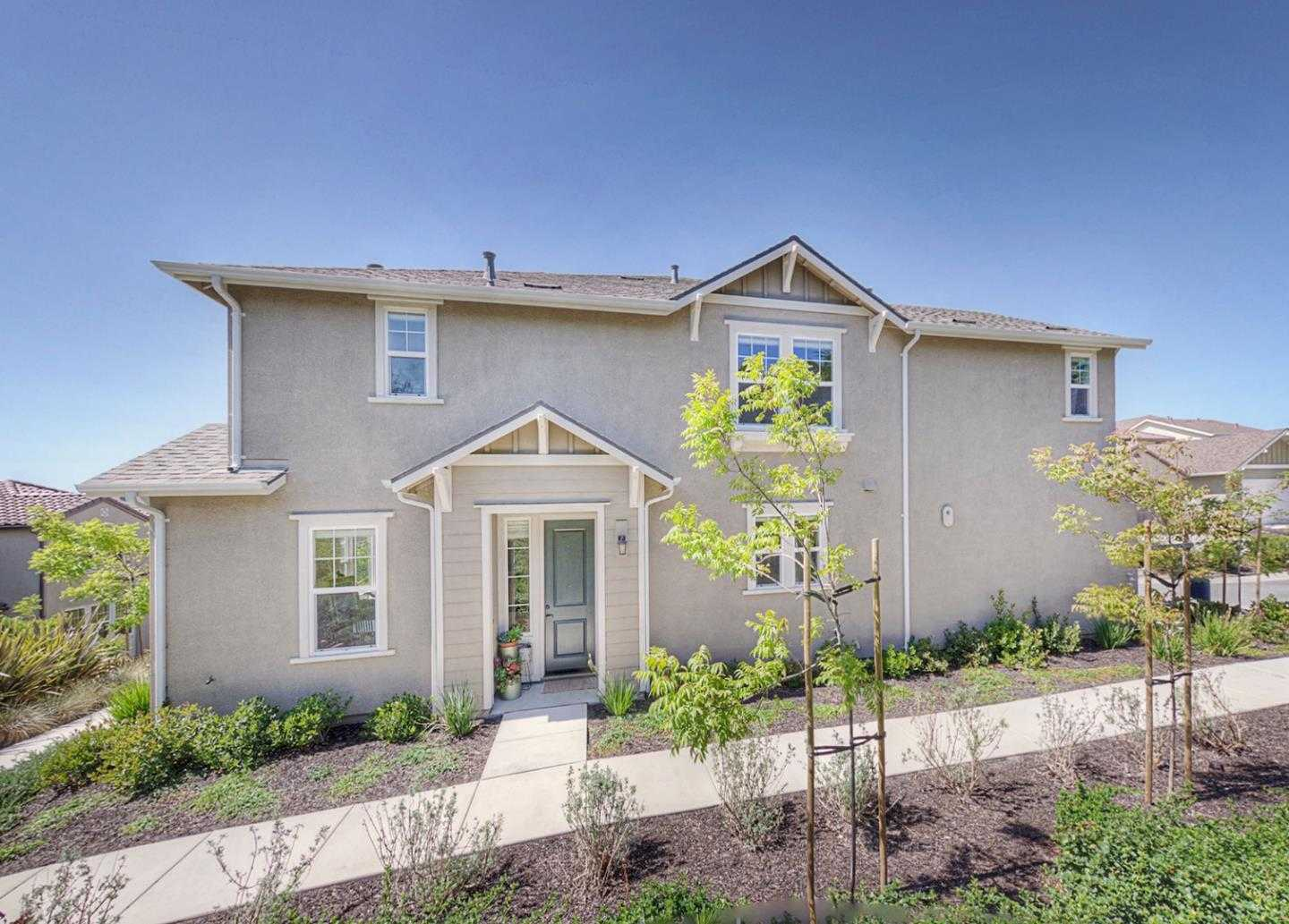 $589,000 - 4Br/3Ba -  for Sale in Marina