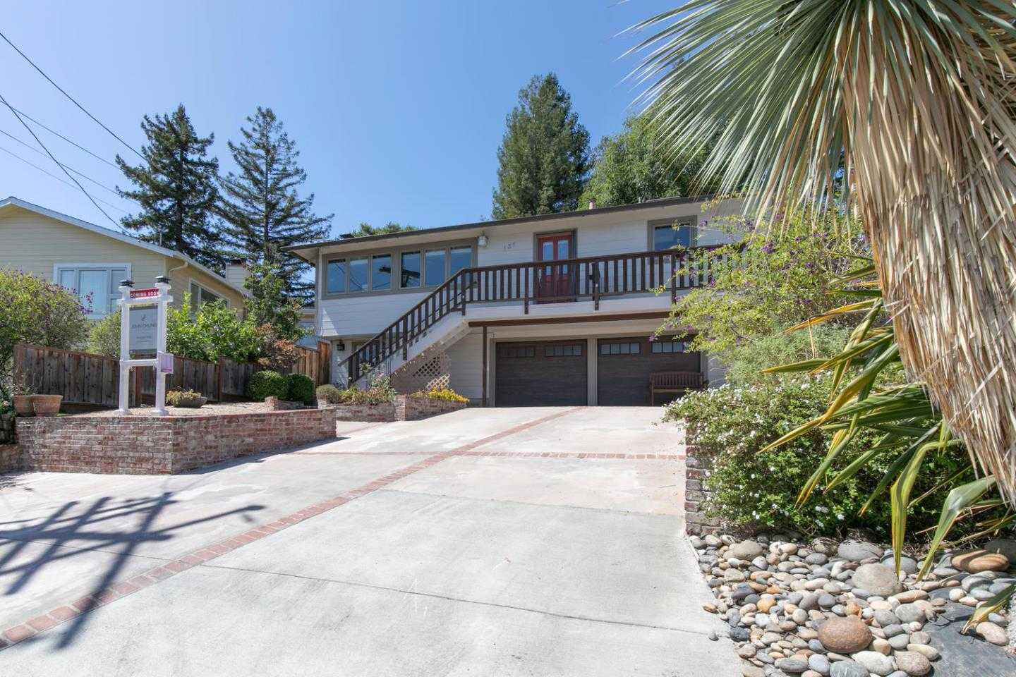 131 Rockridge Rd San Carlos, CA 94070