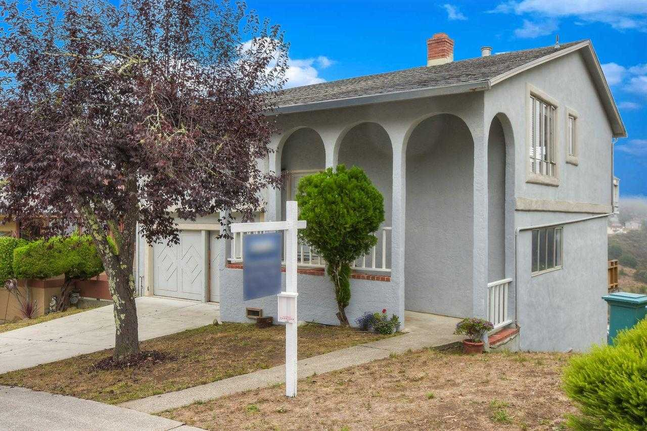 $875,000 - 3Br/2Ba -  for Sale in Pacifica