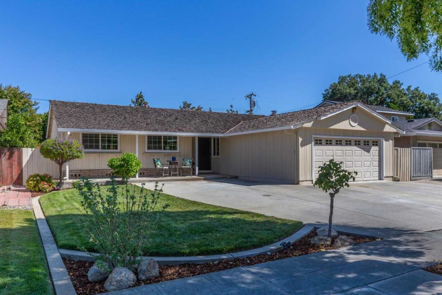 $1,199,000 - 4Br/2Ba -  for Sale in Campbell