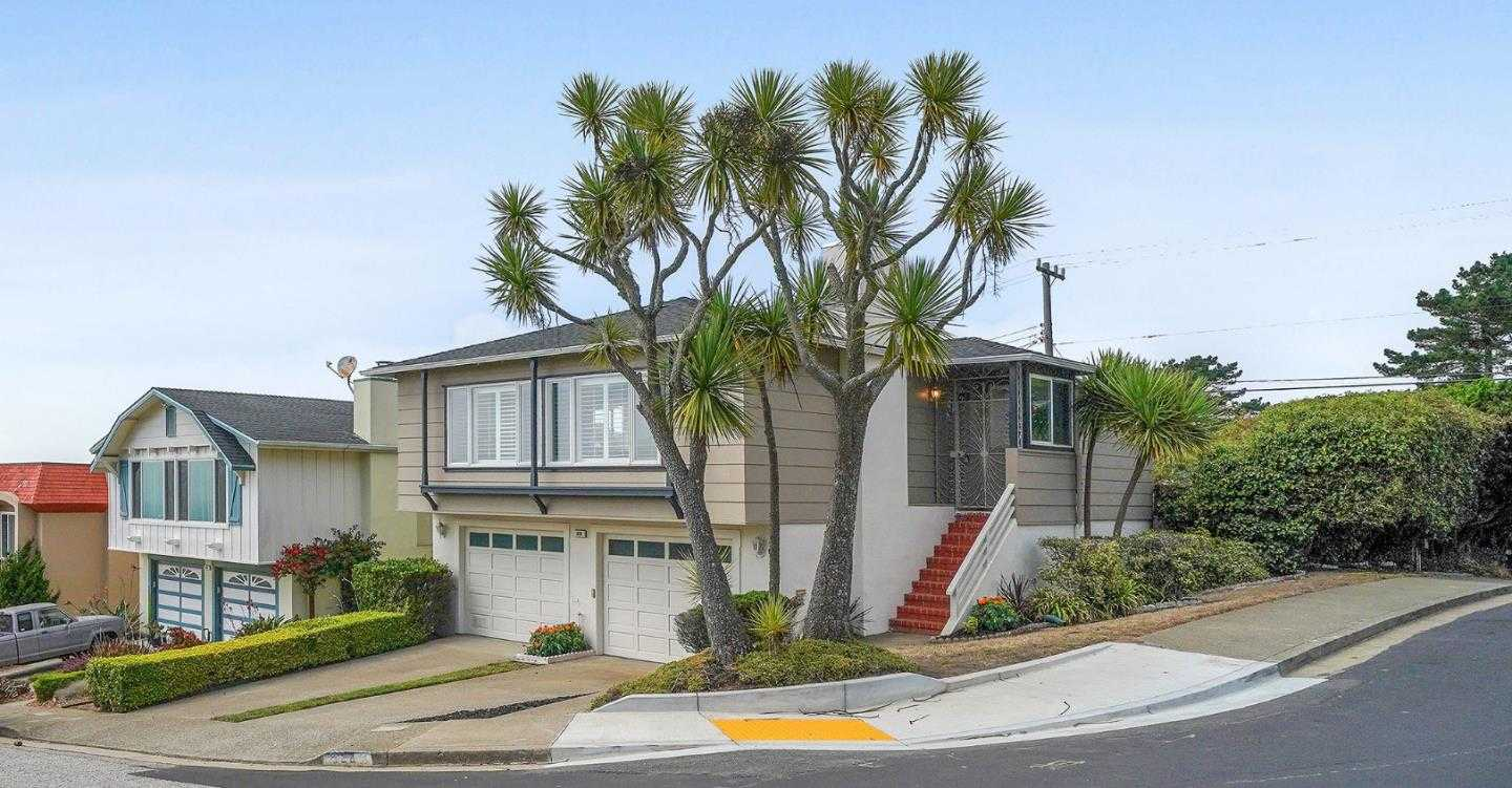 $1,195,000 - 4Br/3Ba -  for Sale in Pacifica