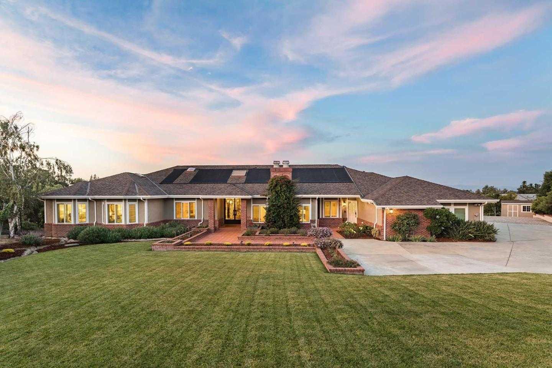 $5,988,000 - 5Br/6Ba -  for Sale in Los Altos Hills