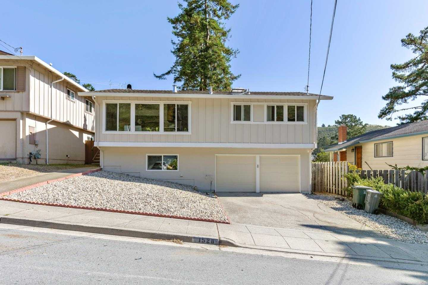 $868,000 - 3Br/2Ba -  for Sale in Pacifica