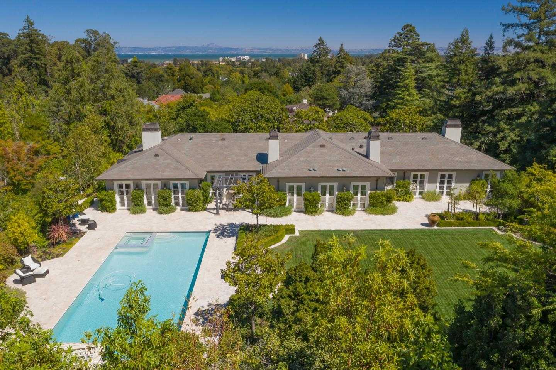 $9,988,000 - 6Br/7Ba -  for Sale in Hillsborough