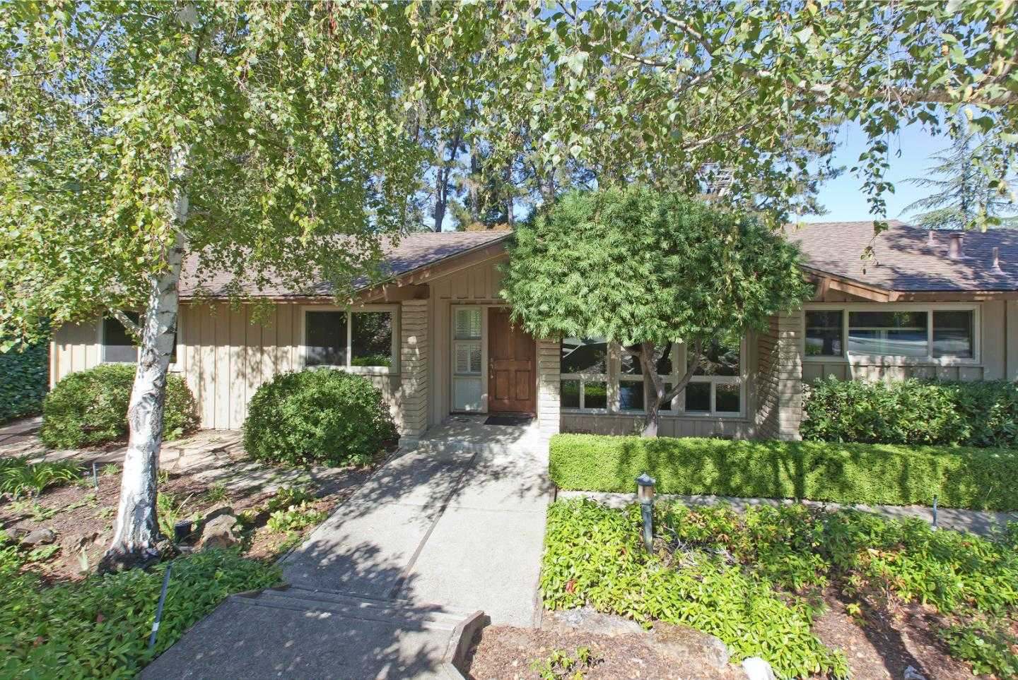 $3,100,000 - 4Br/2Ba -  for Sale in Menlo Park