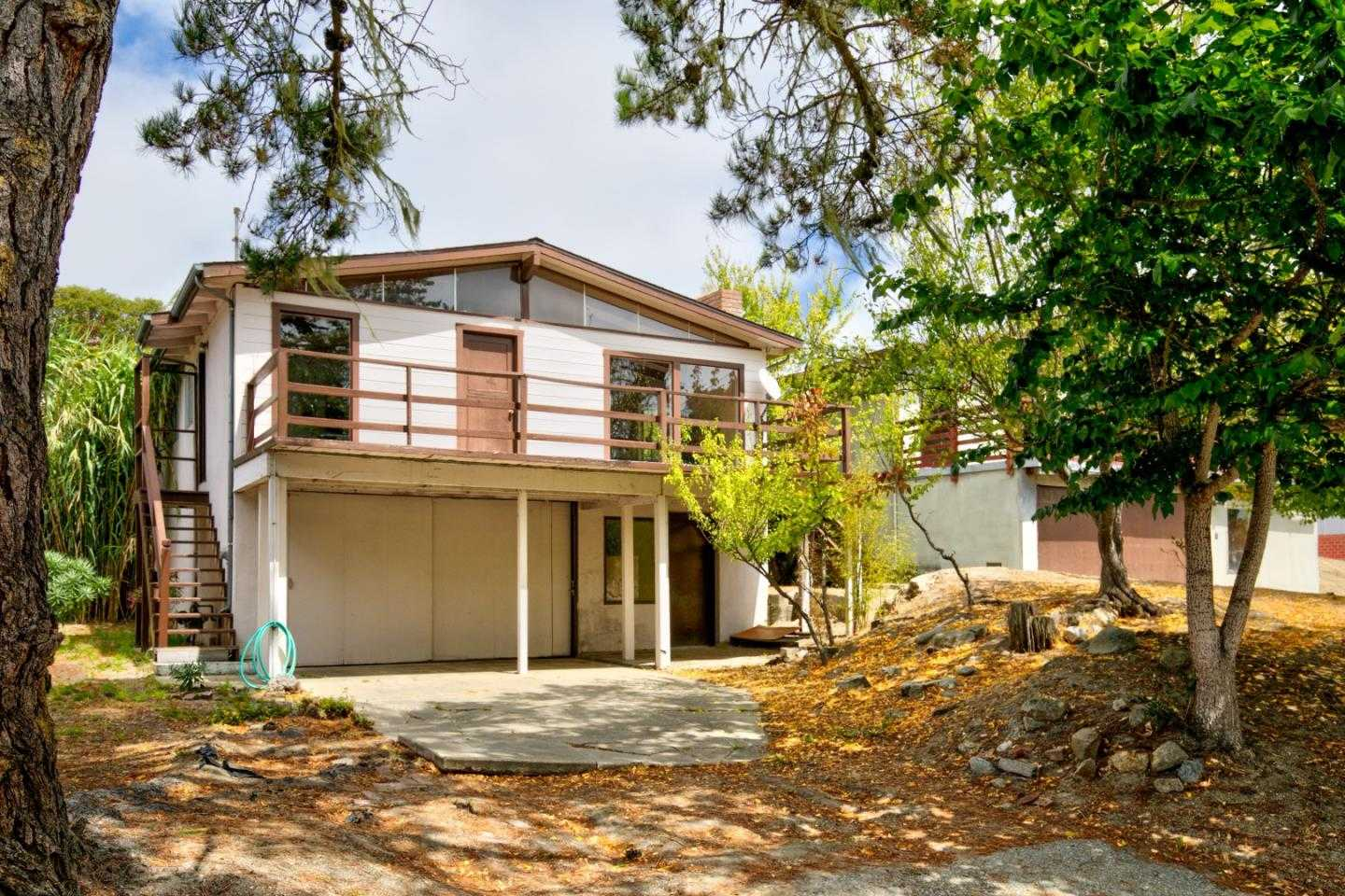 $550,000 - 3Br/2Ba -  for Sale in Monterey